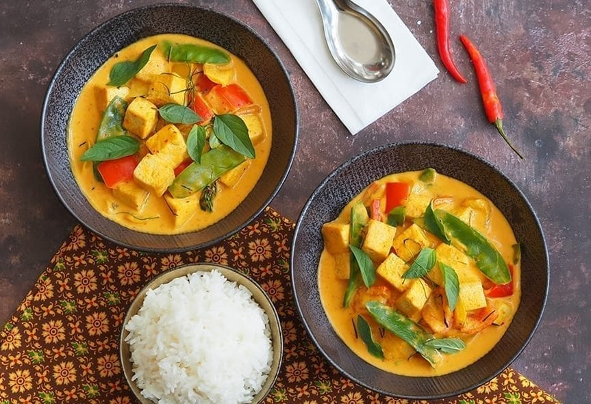 Tofu Thai Panang Curry with Mixed Peppers and Mangetout