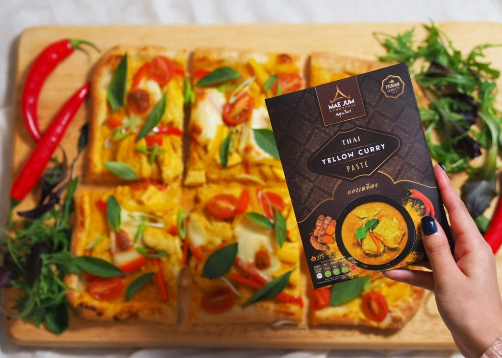 Mae Jum National Pizza Day, yellow curried pizza