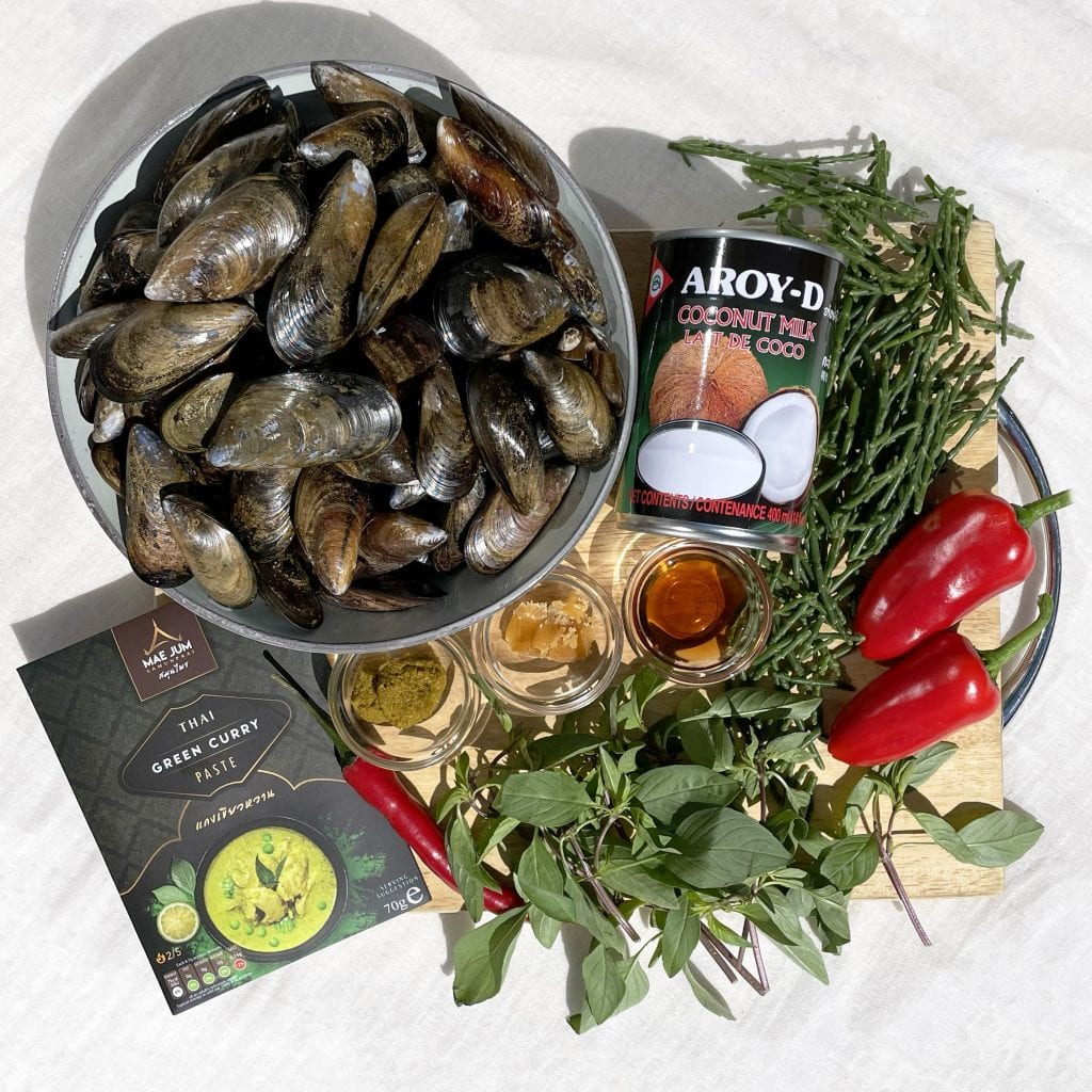 Mae Jum Thai Green Curry with Mussels ingredients